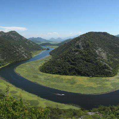 Rijeka Crnojevića - zakole rzeki - najbardziej znana fotografia z Czarnogóry